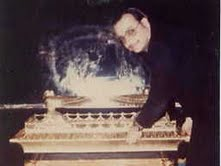 TAL opening the Ark of the Covenant