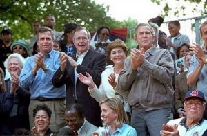 Five_members_of_the_Bush_family_(June_2001) SOURCE Wikipedia Commons Public Domain