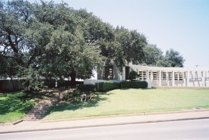 JFK Grassy_Knoll_2003 SOURCE Wikipedia Commons Public Domain