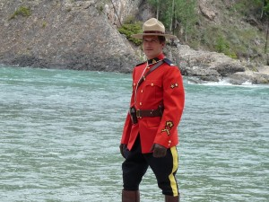 Mountie_in_Banff,_Alberta CREDIT HordeFTL at English Wikipedia SOURCE Wikipedia Public Domain