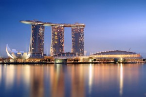 Marina_Bay_Sands_in_the_evening_Someformofhuman Source wikipedia Public Domain